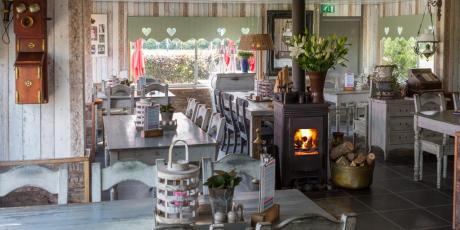 Cafetaria Visser bij Pont Buitenhuizen Spaarnwoude